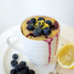 recept mug cake met bosbessen en citroen