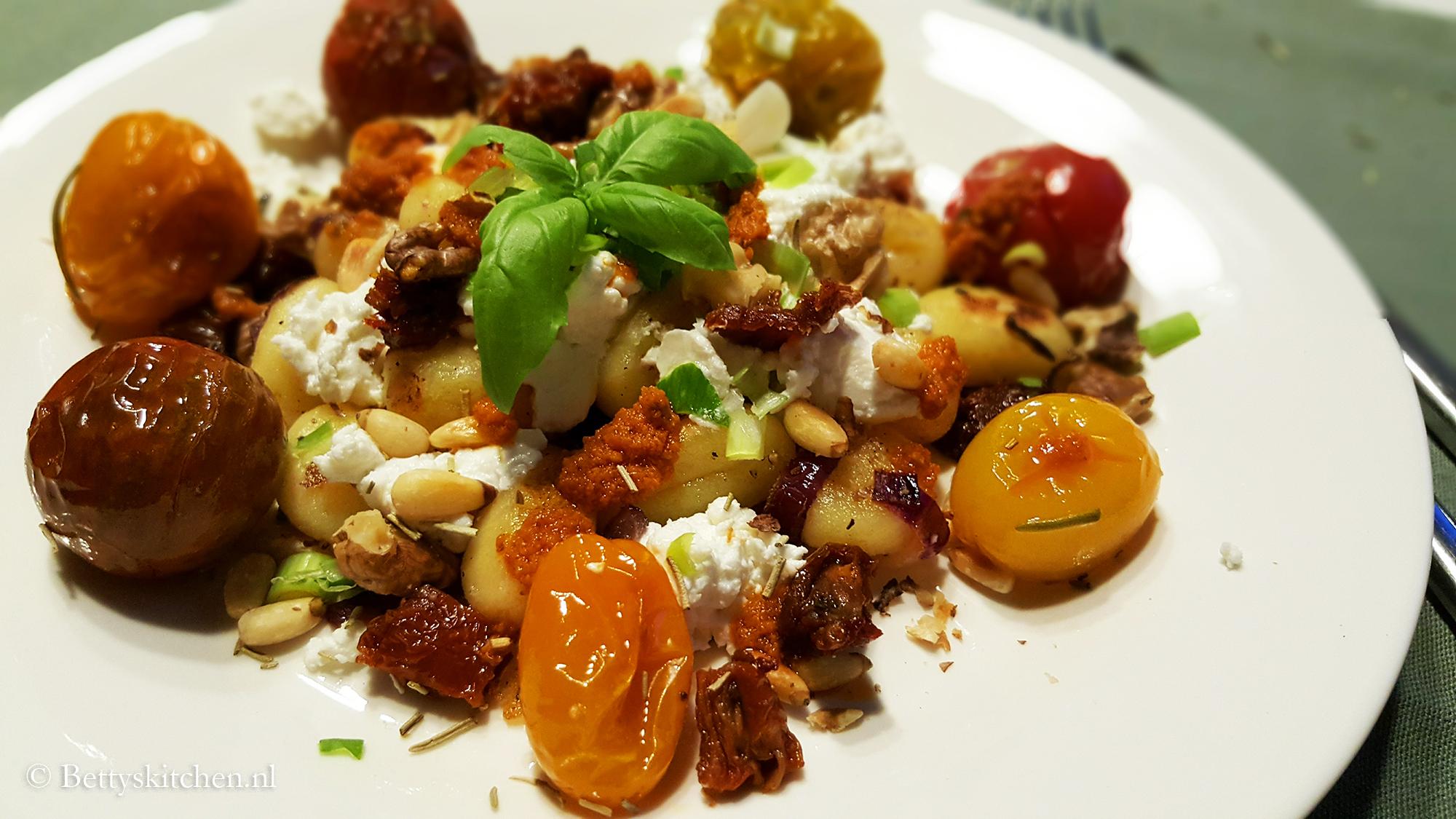 Gnocchi met geitenkaas en gepocheerde tomaat