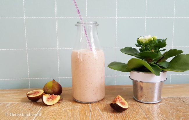 15x gezonde smoothies recepten - Najaarssmoothie-met-peer-en-vijgen