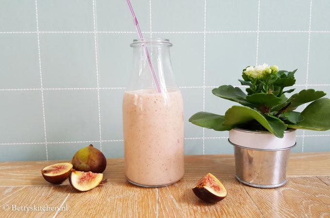 Najaars smoothie met peer en vijgen