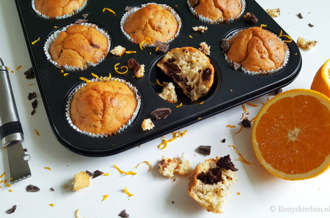 Yoghurtmuffins met sinaasappel en pure chocola