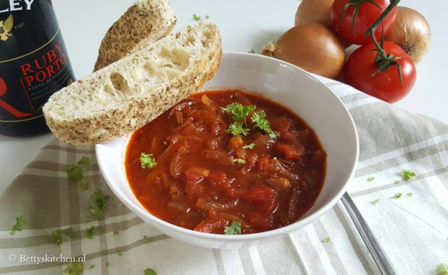 Klassieke tomaten-uiensoep