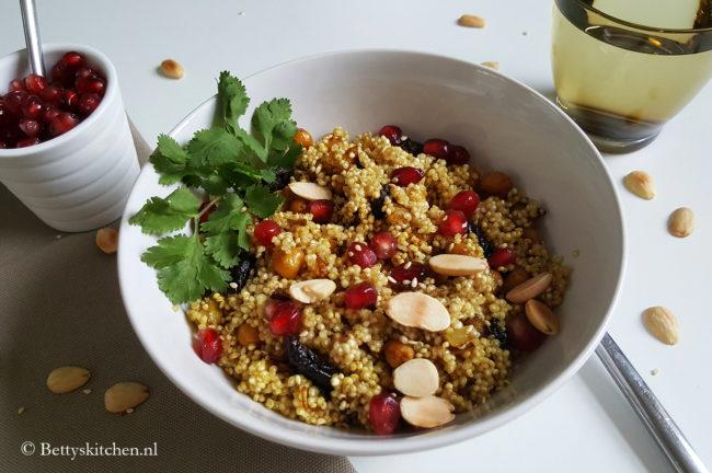 Marokkaanse quinoa bowl vegetarisch