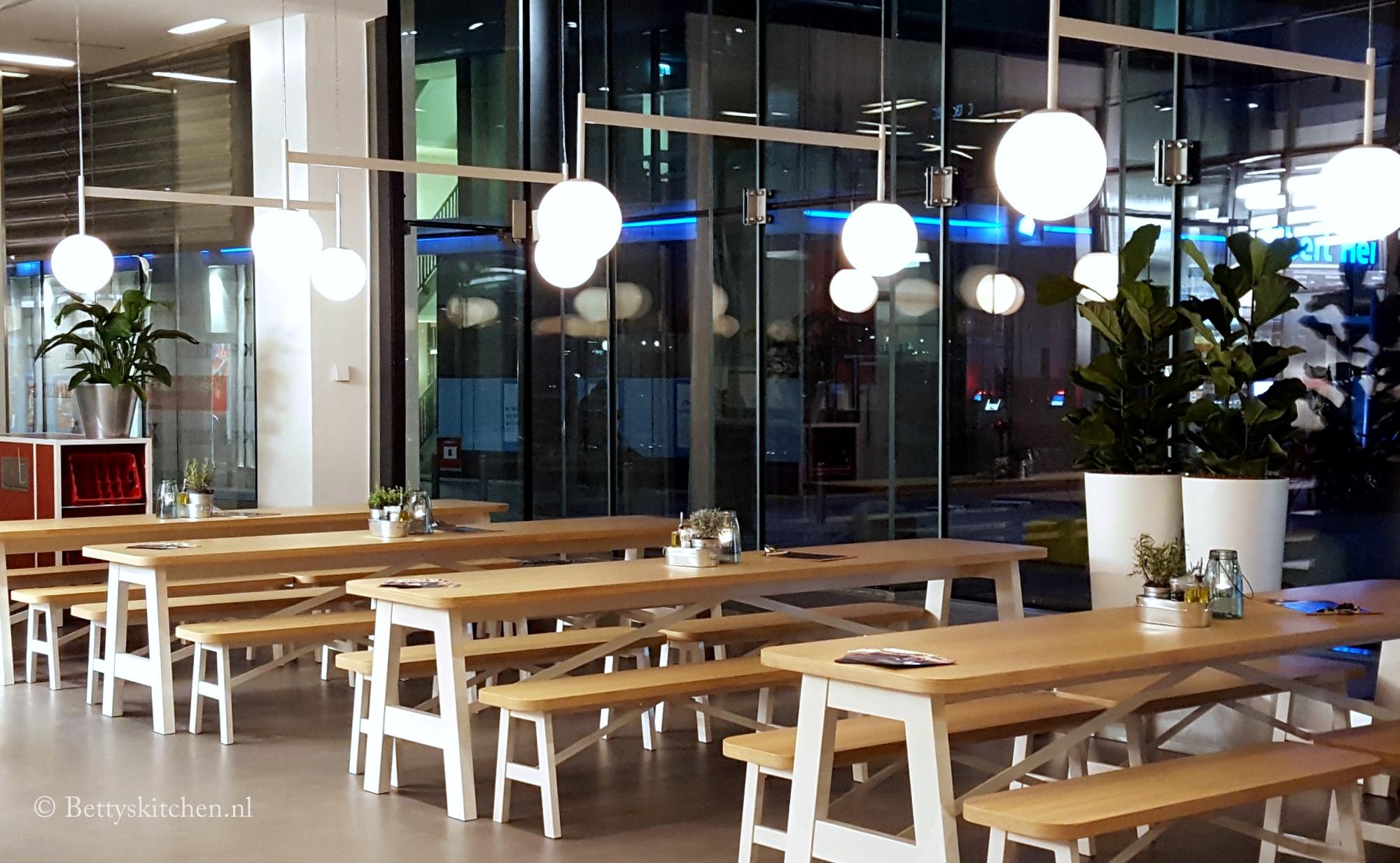 Charlie 39 s rotterdam path schouwburgplein betty 39 s kitchen for Bioscoop pathe rotterdam