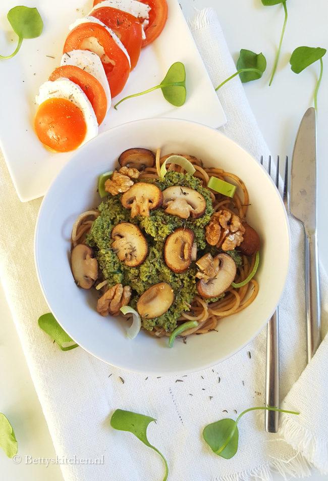 Spaghetti met postelein pesto