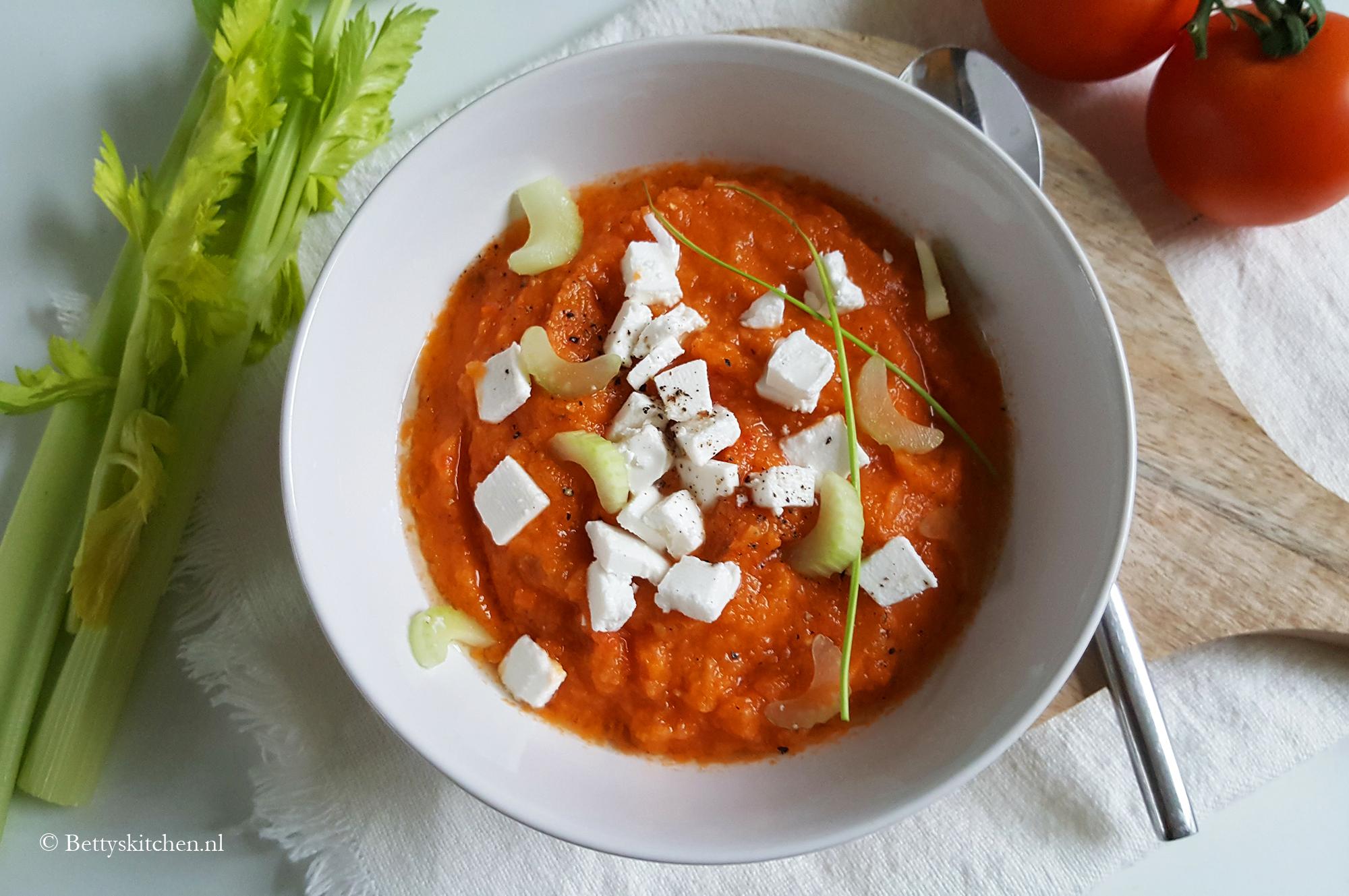 Gazpacho van geroosterde ui en paprika