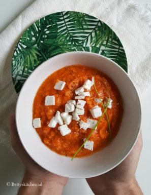 Gazpacho met geroosterde ui en paprika