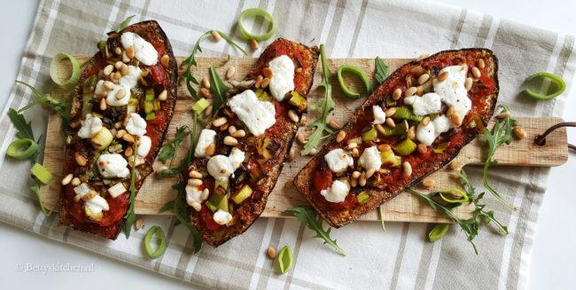 Krijg je geen genoegen van pizza recepten? Gebruik dan ook eens brood, groente of wraps voor het maken van pizza maar dan anders. vegetarisch glutenvrij betty's kitchen