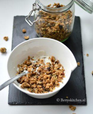 granola met pindakaas maken recept bettys kitchen ontbijt tip