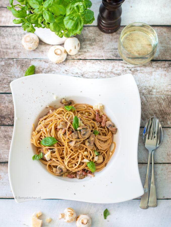 recept spaghetti carbonara met spek en ei