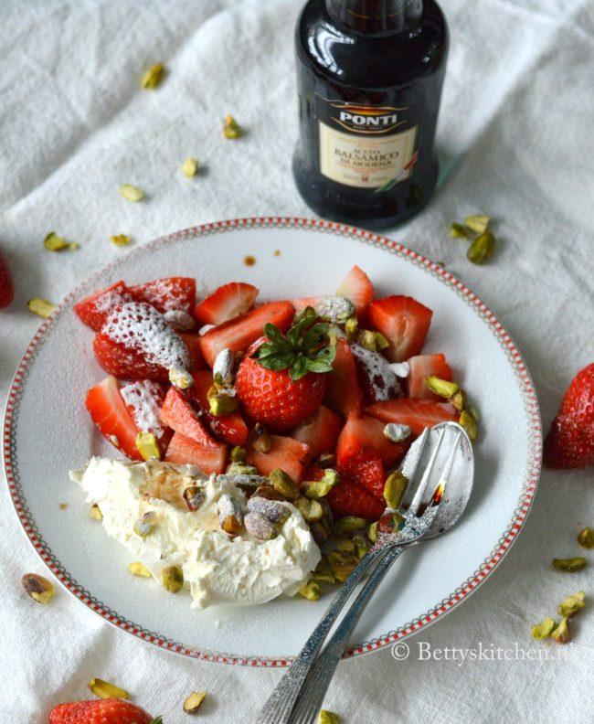 Aardbeien met balsamico en mascarpone italiaans toetje dessert bettys kitchen recept