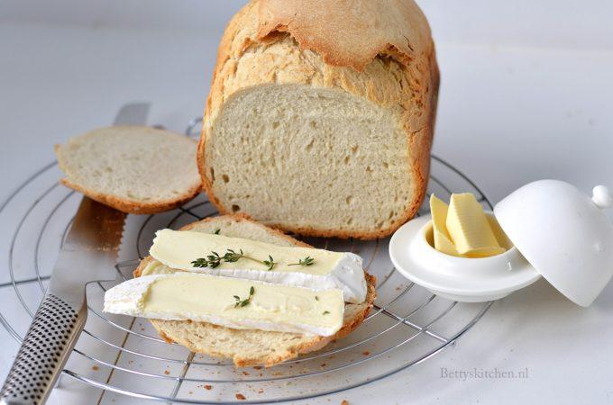 Frans brood uit de broodbakmachine