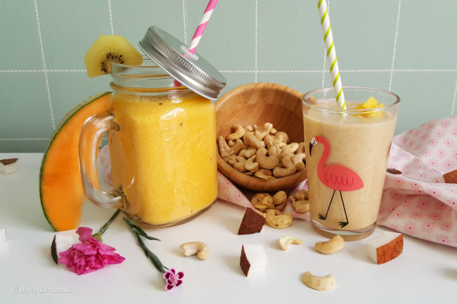 2x zomerse smoothie met cashewnoten