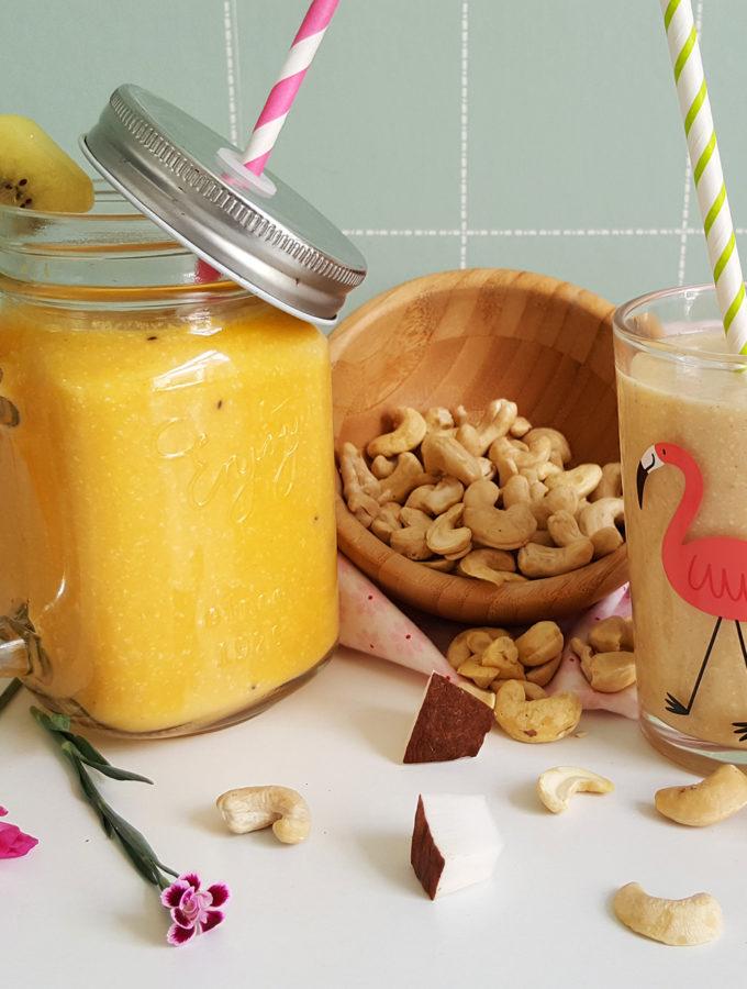zomerse cashewnoten smoothie met fruit ontbijt © bettyskitchen.nl