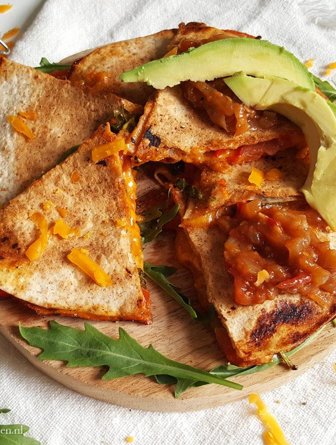Vegetarische pizza quesadillas