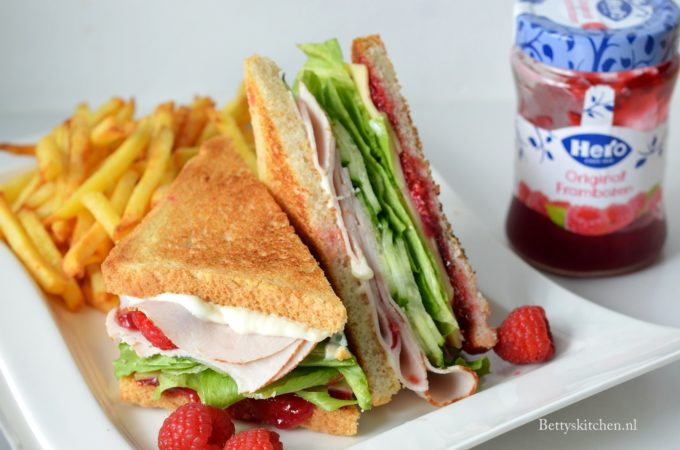 Kalkoen Sandwich met Frambozen saus