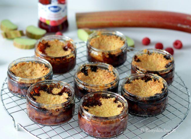 recept rabarber frambozen crumble potjes ontbijt Hero Jam Studio