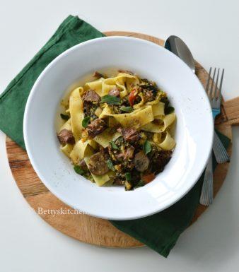 recept pasta pappardelle met stoofvlees magere runderlappen Betty's Kitchen