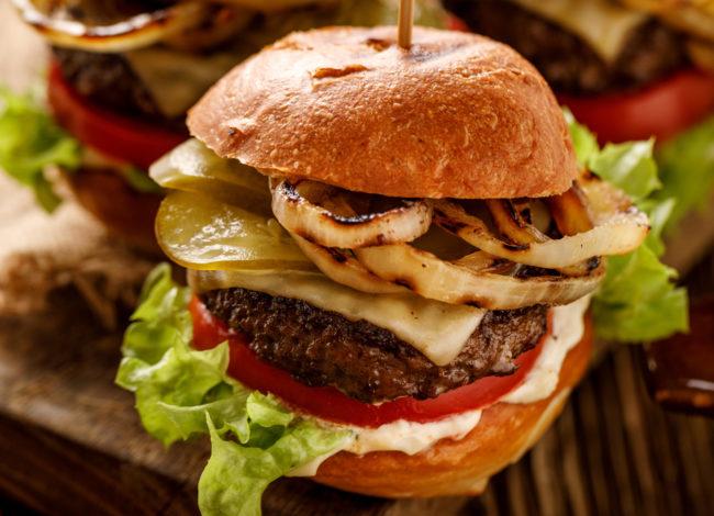 klassieke broodje hamburger - Amerikaans weekmenu