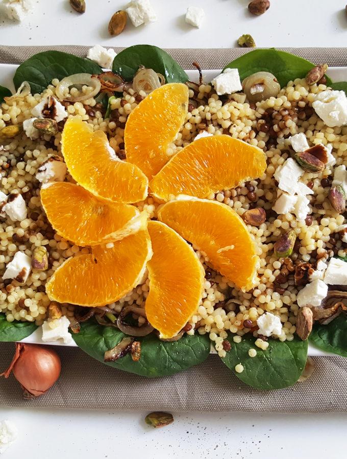 Parelcouscous salade met pistachenootjes en sinaasappel