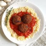 Aubergineballetjes met couscous en champignons