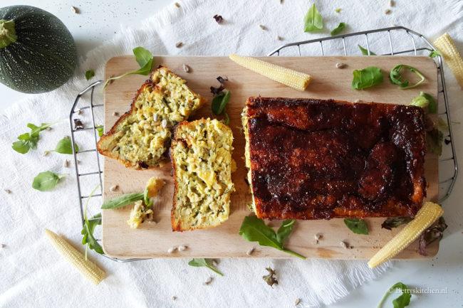 Hartige courgettecake met mais en kaas