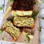Hartige courgette cake met mais en kaas
