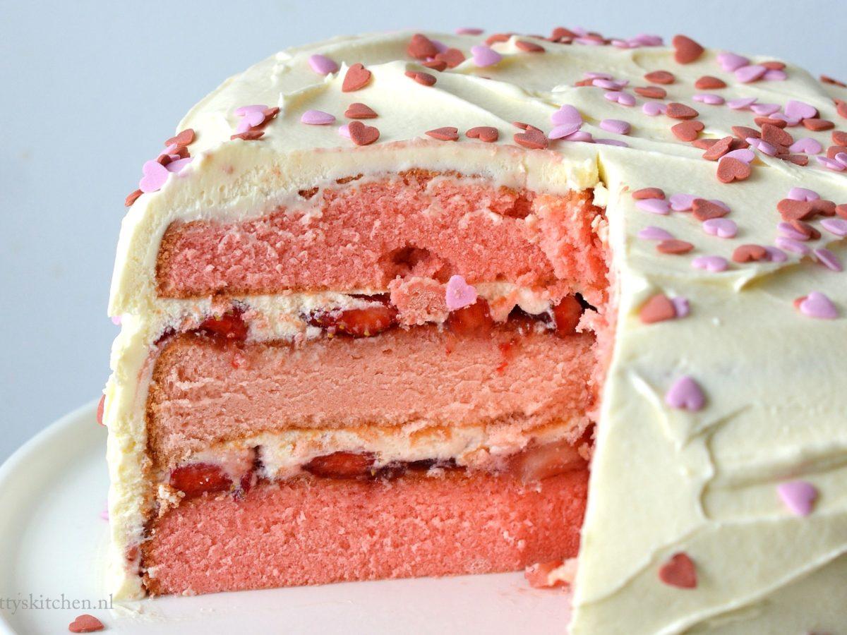 Nieuw Kraamtaart met aardbeien (voor een meisje) | Betty's Kitchen Foodblog OV-62