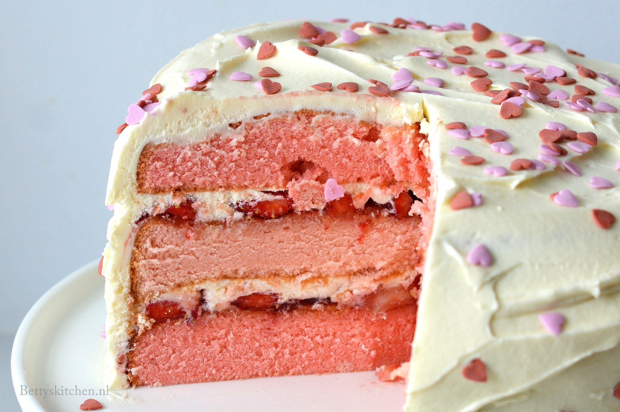 Kraamtaart met aardbeien (voor geboorte meisje)