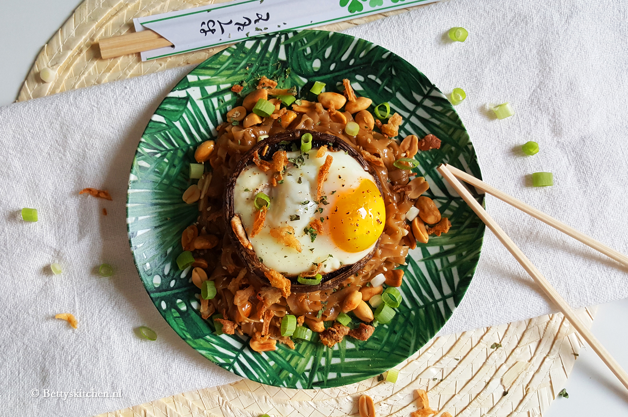 Portobello met ei en noodles