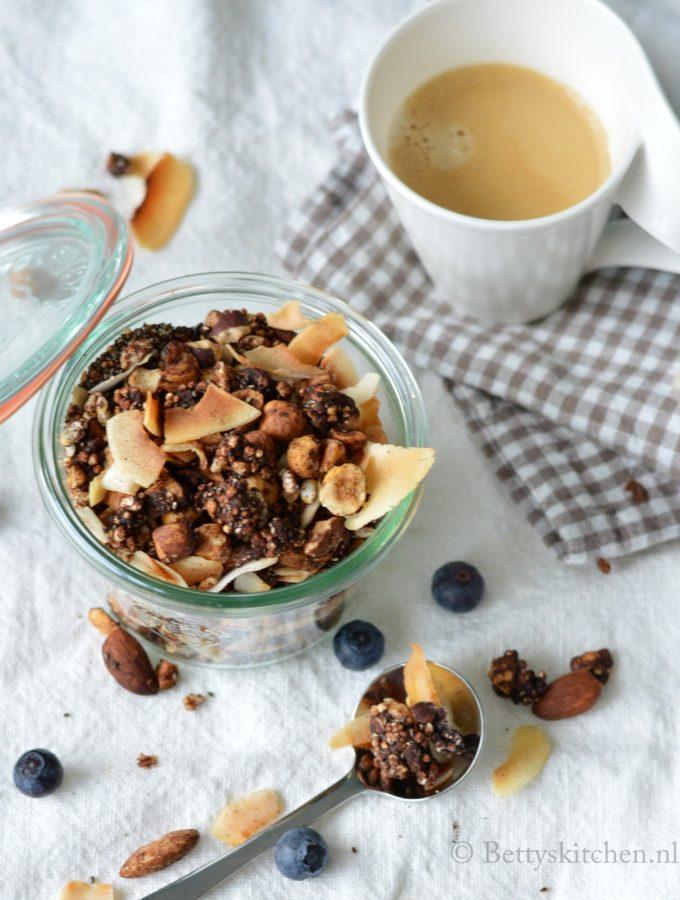 ontbijt recept chocolade granola met quinoa bettys kitchen