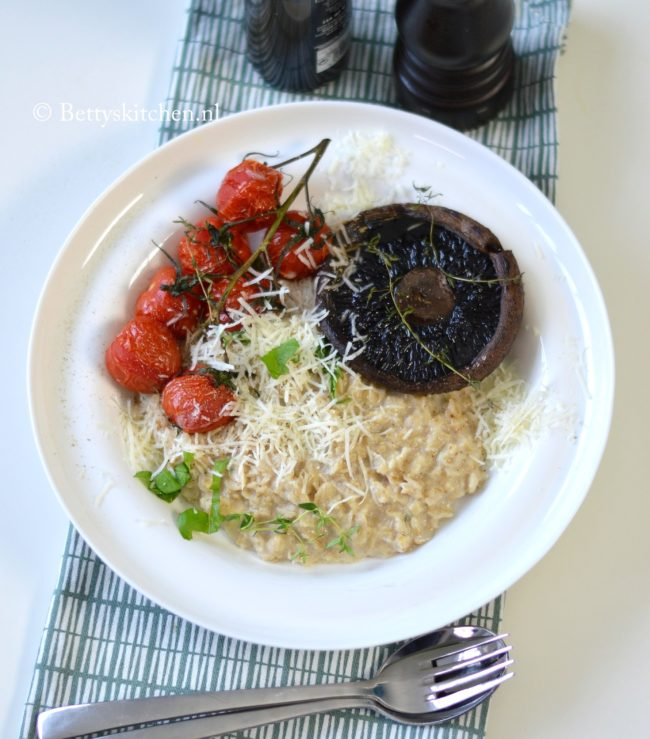 recept hartig havermout ontbijt of lunch met portobello en parmezaanse kaas betty's kitchen