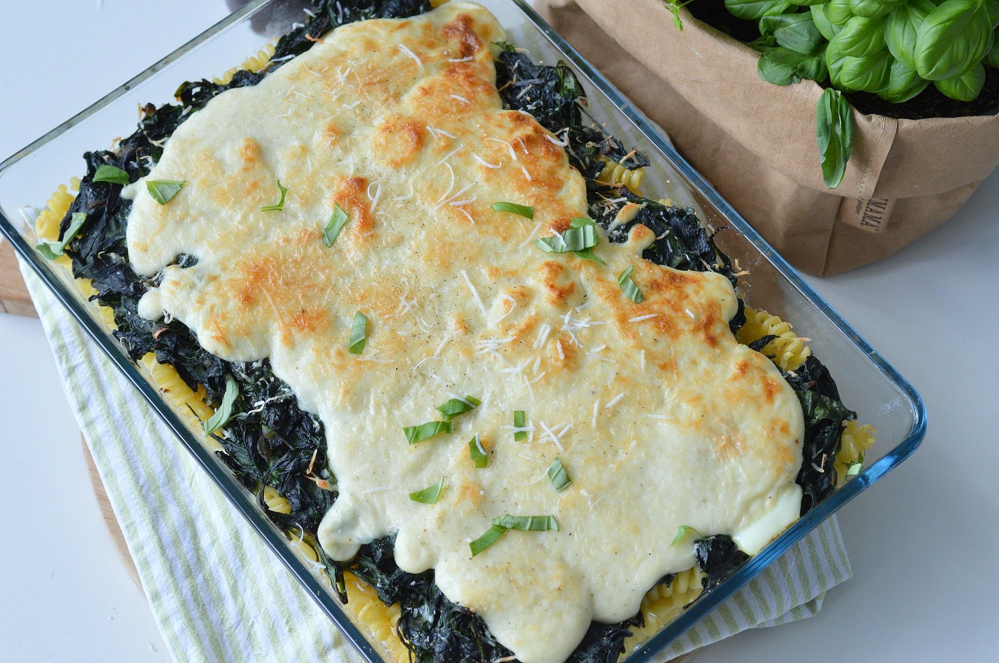 Pastaschotel met spinazie en eieren