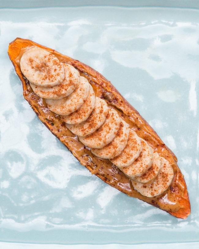 6x Toast van zoete aardappel (met gezonde toppings) banaan pindakaas