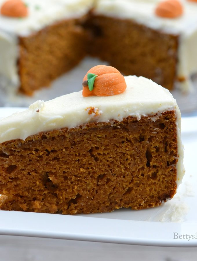 recept Pompoencake met roomkaas crème halloweenrecepten betty's kitchen