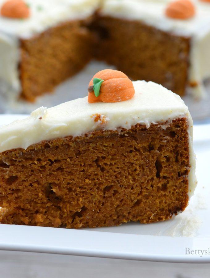 recept Pompoencake met roomkaas crème halloweenrecepten betty's kitchen
