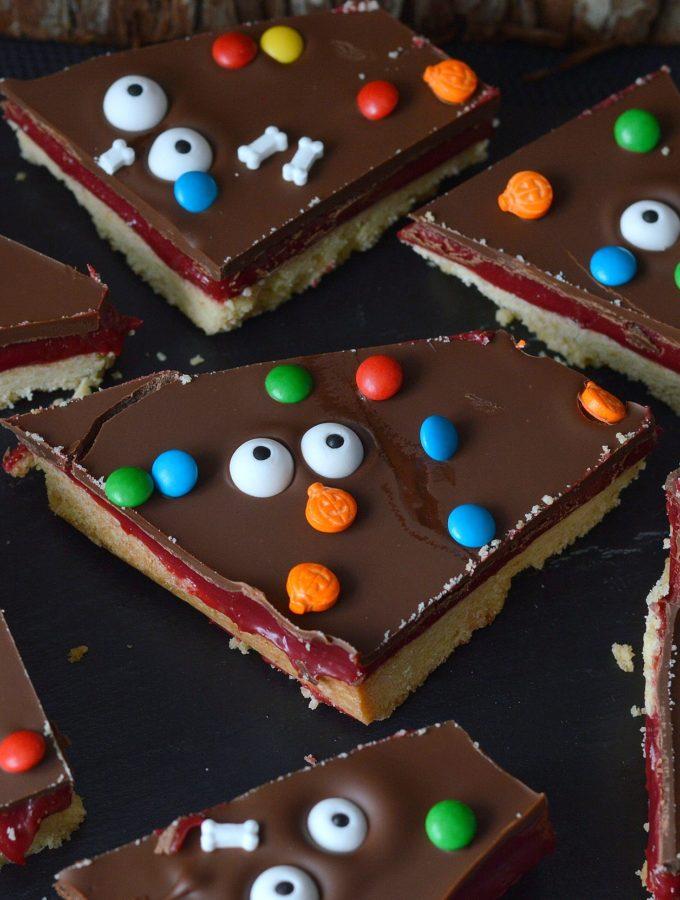 recept Halloween Millionaire Shortbread
