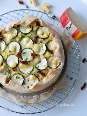 Italiaanse Quiche met zongedroogde tomaat met parrano kaas recept betty's kitchen