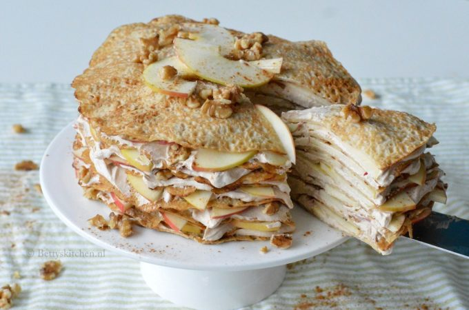 Pannenkoekentaart met appel en kaneel room