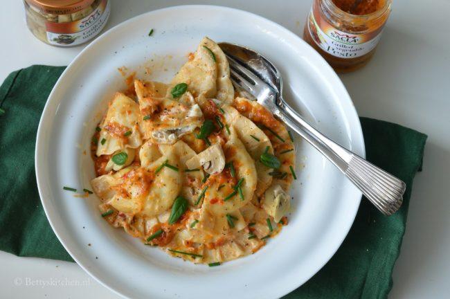 recept ravioli met champignons en pesto saus sacla pasta betty's kitchen