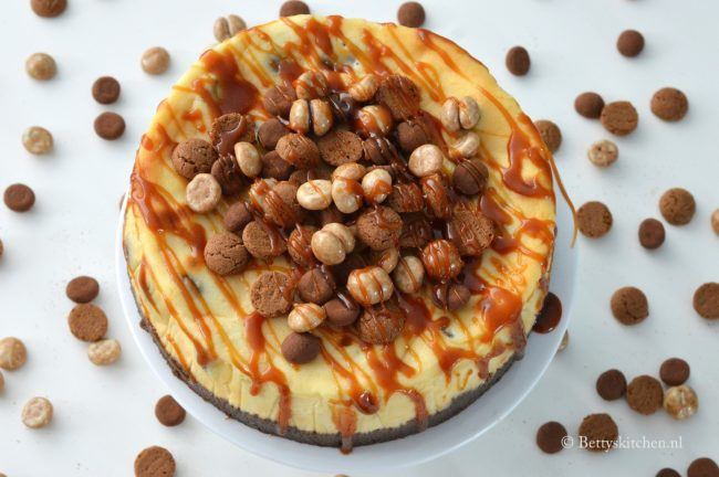 10x sinterklaas recepten - cheesecake met karamel en kruidnoten betty's kitchen
