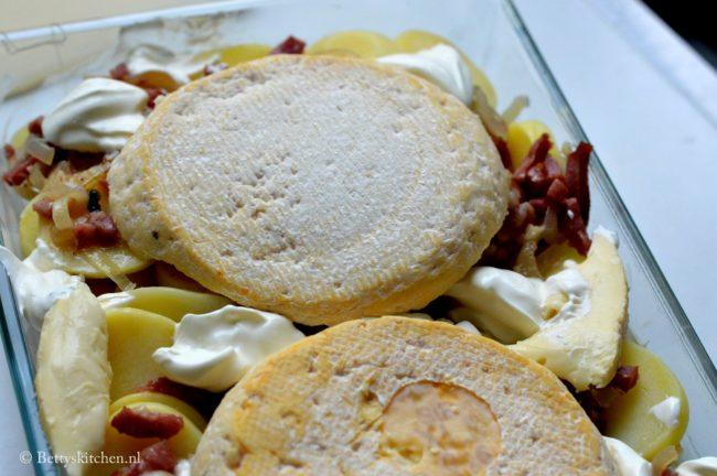 recept tartiflette franse aardappels met spekjes en reblochon kaas _ bettyskitchen _ kalkoen spekjes van dindesse