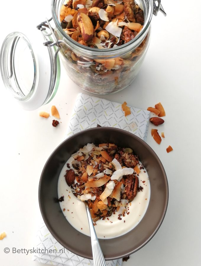 recept noten granola met kokos glutenvrij en low carbs betty's kitchen