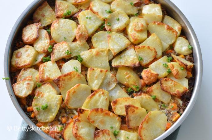 Ovenschotel met aardappels en gehakt (Musaka)