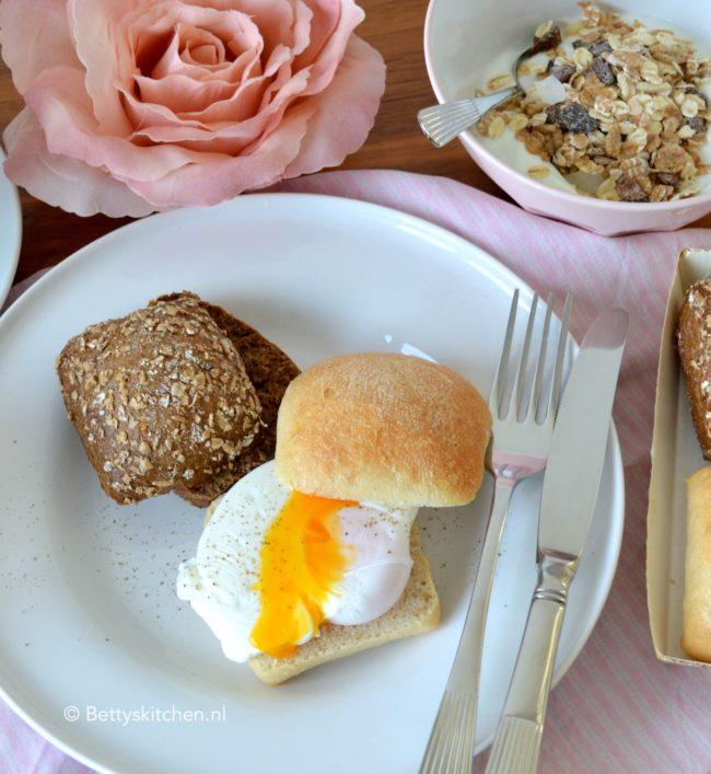 15x Recepten voor Valentijnsdag - valentijns brunch met een gepocheerd eitje © bettyskitchen