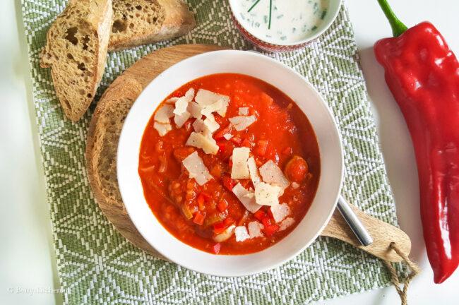 recept soep van geroosterde puntpaprika met canellini bonen © bettyskitchen.nl