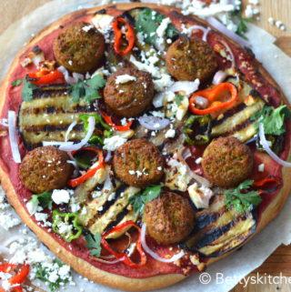 recept pizza met falafel en hummus vegetarisch recept betty's kitchen