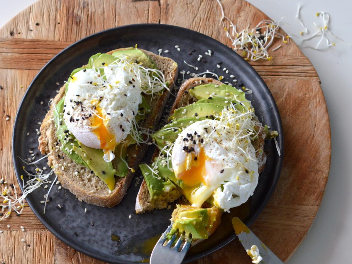 Wonderbaarlijk Avocado op brood met ei | Recept | Betty's Kitchen Ontbijt Lunch TK-59