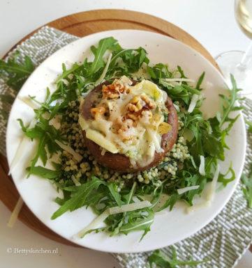 gevulde portobello met parelcouscous recept