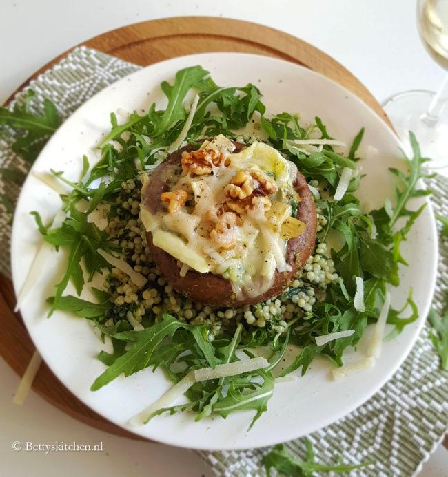 10x vegetarische recepten - gevulde portobello met parelcouscous recept